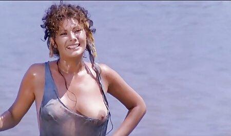 स्तन और फुल सेक्सी मूवी वीडियो में कुछ दरार