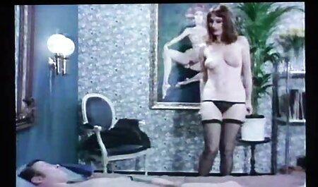 टाइट जींस में मेरी मोटी गांड कमाल की जॉय फुल सेक्सी हिंदी मूवी है