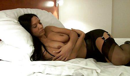 बड़ी गीली फुल सेक्सी मूवी वीडियो में गांड
