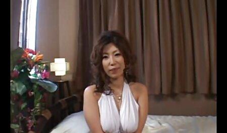 कोकोरो वकाना नौकरानी में सेक्सी मूवी फुल सेक्सी मूवी गधे और योनि में उँगलियाँ और पंप होते हैं