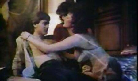 माँ फुल सेक्सी मूवी वीडियो में विशाल स्तन काट दिया